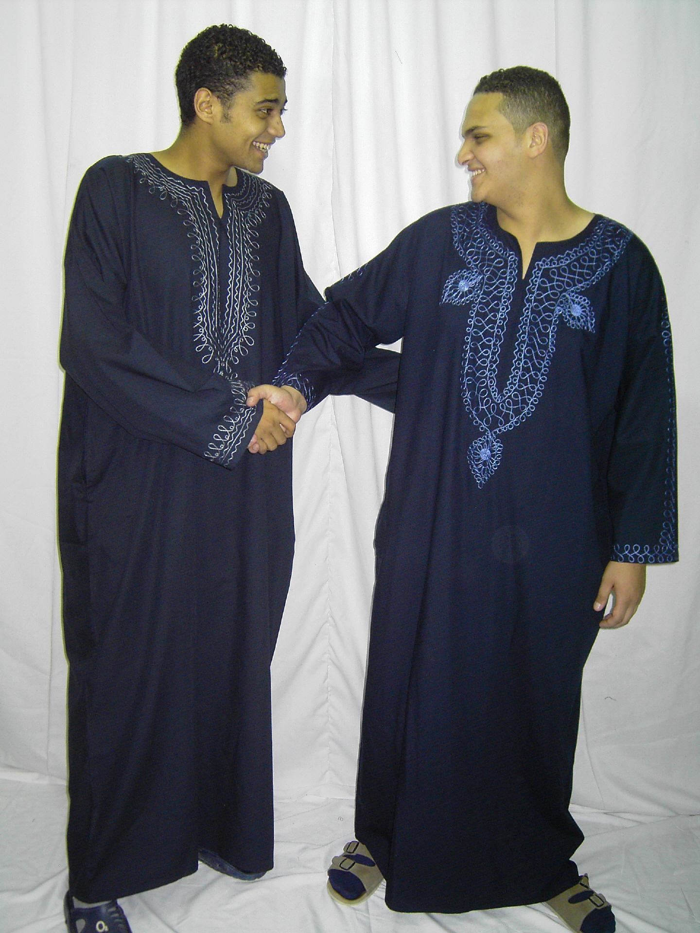 Orientalische kleidung herren kaftan tunika und kopfbedeckung - Festliche kleidung herren ...